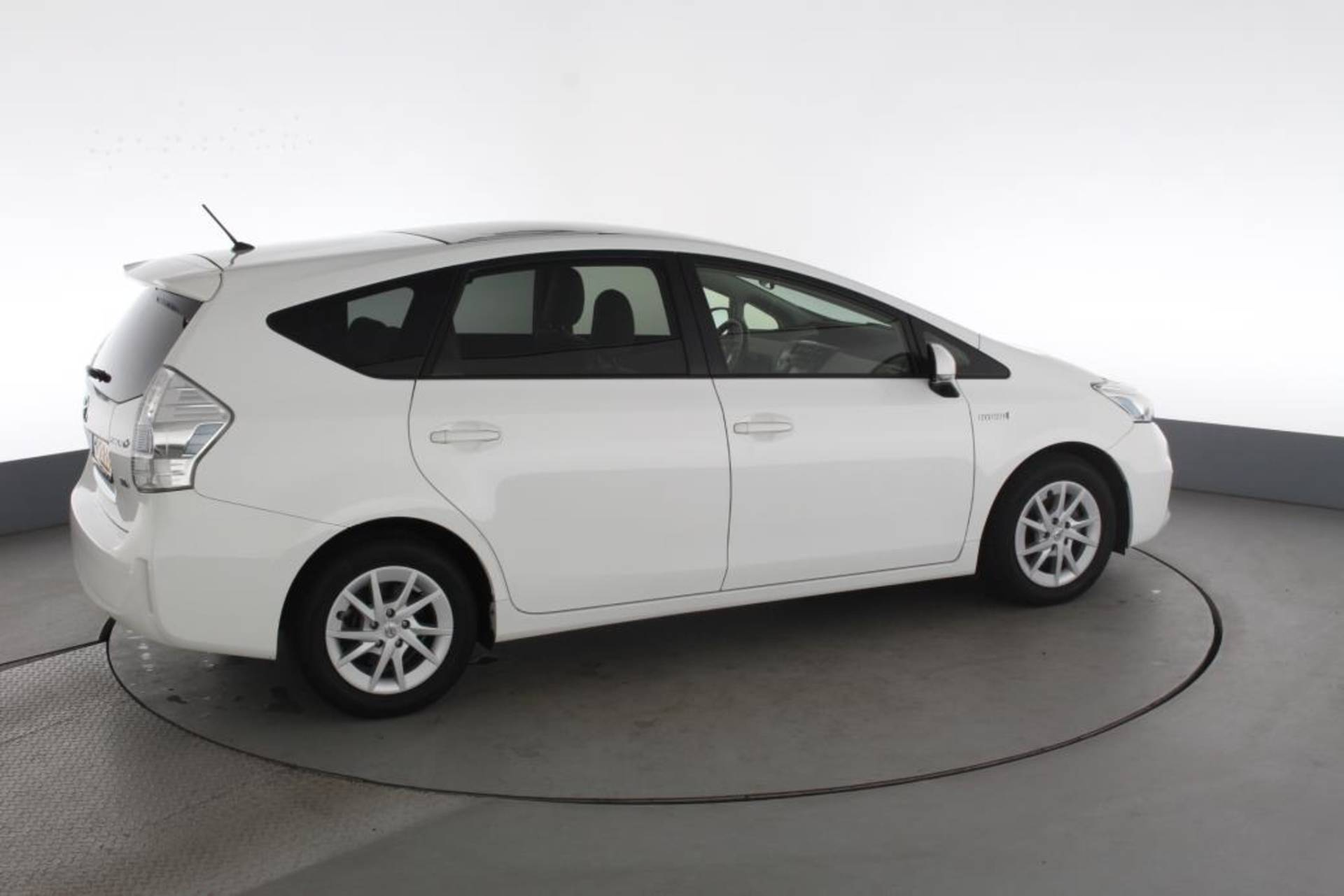 Toyota Prius Wagon 1 8 Hybrid Aspiration 7 Persoons Automaat Hud