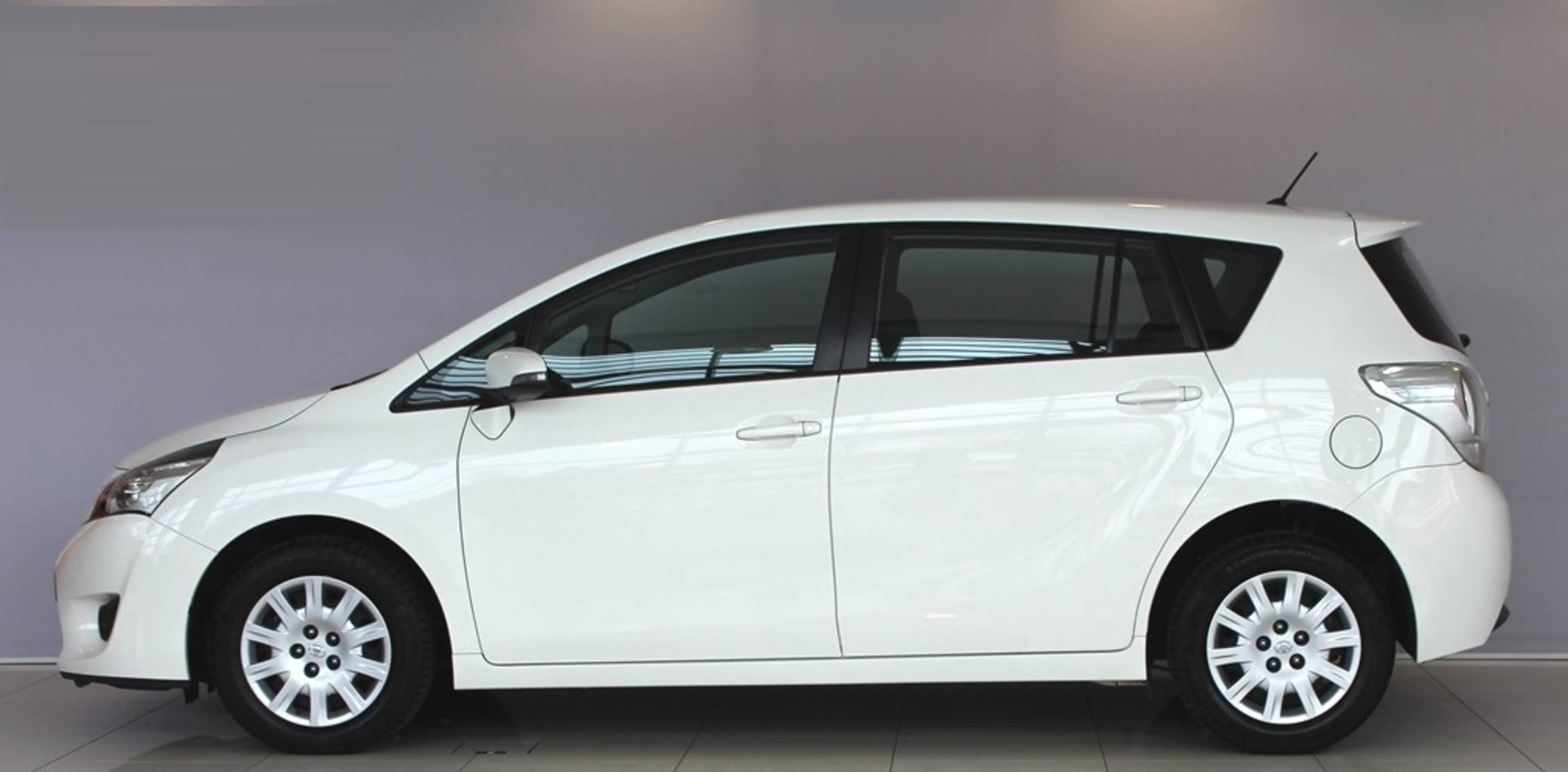 Toyota Verso 1.6D Active detail2