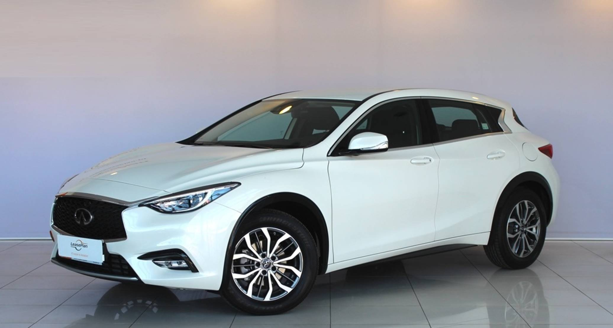 Infiniti Q30 1.5d Business 7dct detail1