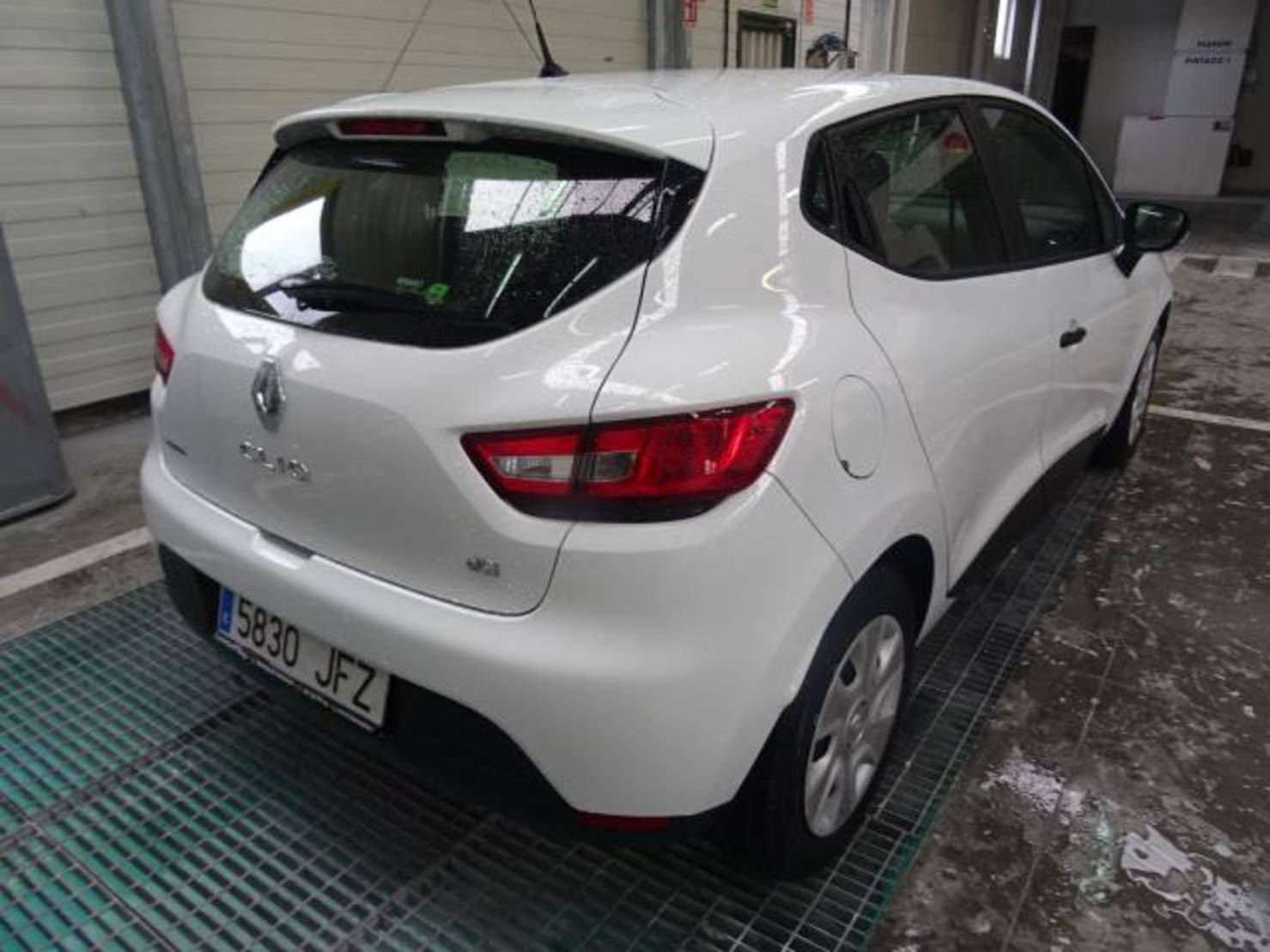 Renault Clio 1.5 Dci Business Eco2 detail2