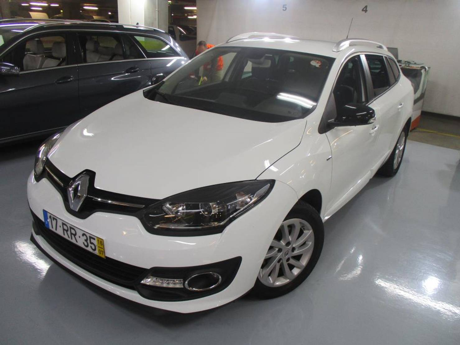 Renault Mégane ST 1.5 dCi Limited SS detail1