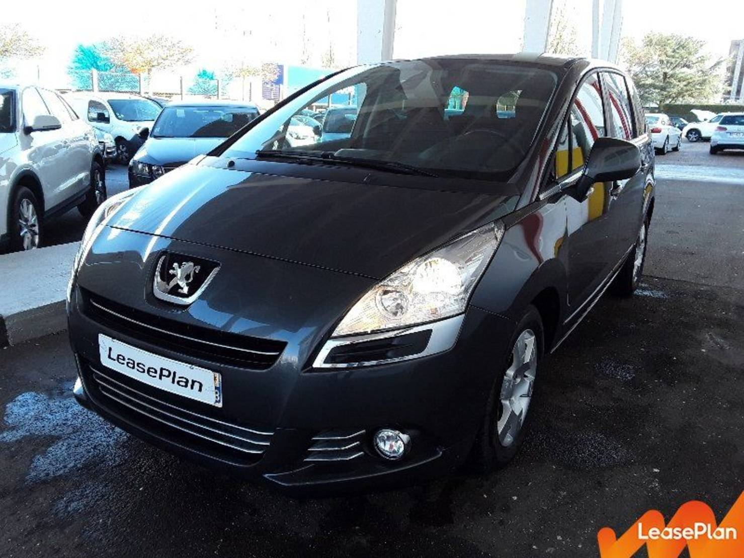 Peugeot 5008 1.6 E-HDI BMP6 BUSINESS PACK detail2