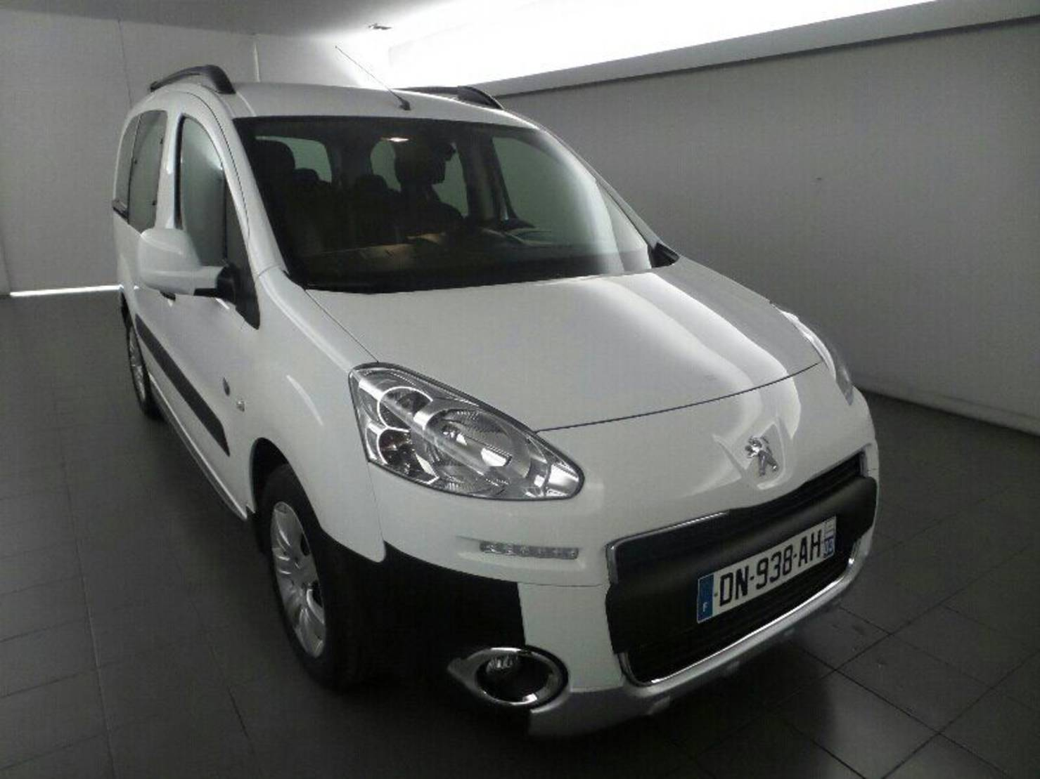 Peugeot Partner 1.6 HDi FAP 90ch, Outdoor 7 PLACES detail2