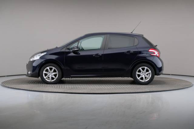 Peugeot 208 1.4 HDi Active-360 image-5