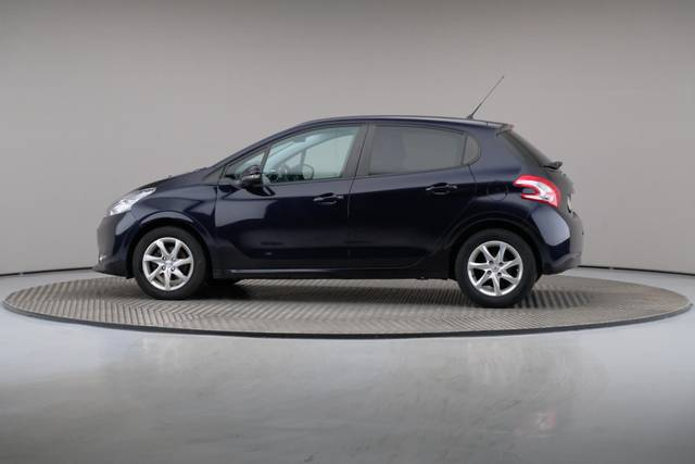 Peugeot 208 1.4 HDi Active-360 image-6