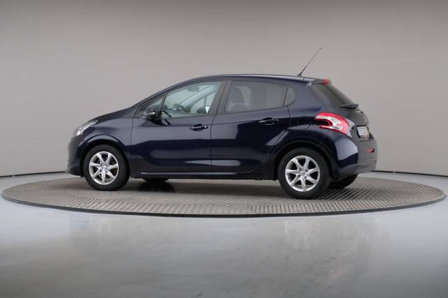 Peugeot 208 1.4 HDi Active-360 image-7