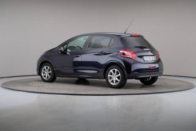 Peugeot 208 1.4 HDi Active-360 image-9