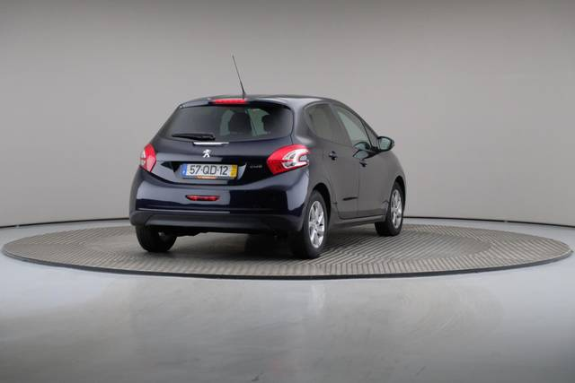 Peugeot 208 1.4 HDi Active-360 image-16