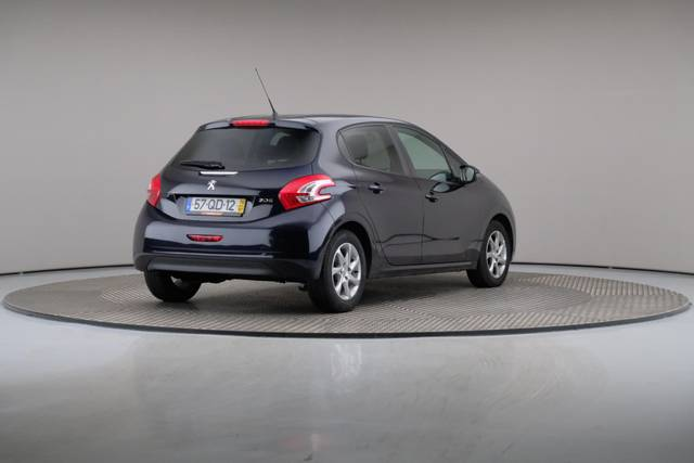 Peugeot 208 1.4 HDi Active-360 image-17