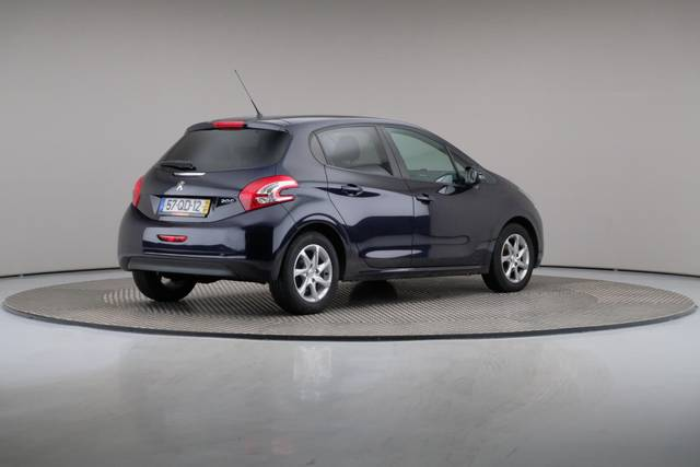 Peugeot 208 1.4 HDi Active-360 image-18