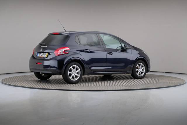 Peugeot 208 1.4 HDi Active-360 image-19