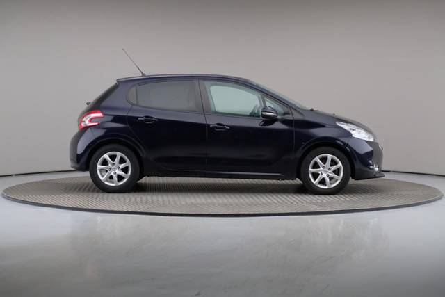 Peugeot 208 1.4 HDi Active-360 image-23