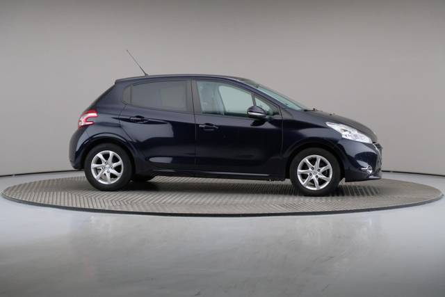 Peugeot 208 1.4 HDi Active-360 image-24
