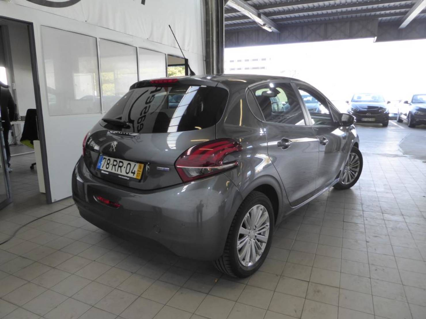 Peugeot 208 Blue-HDi 100 Stop&Start, Active detail2