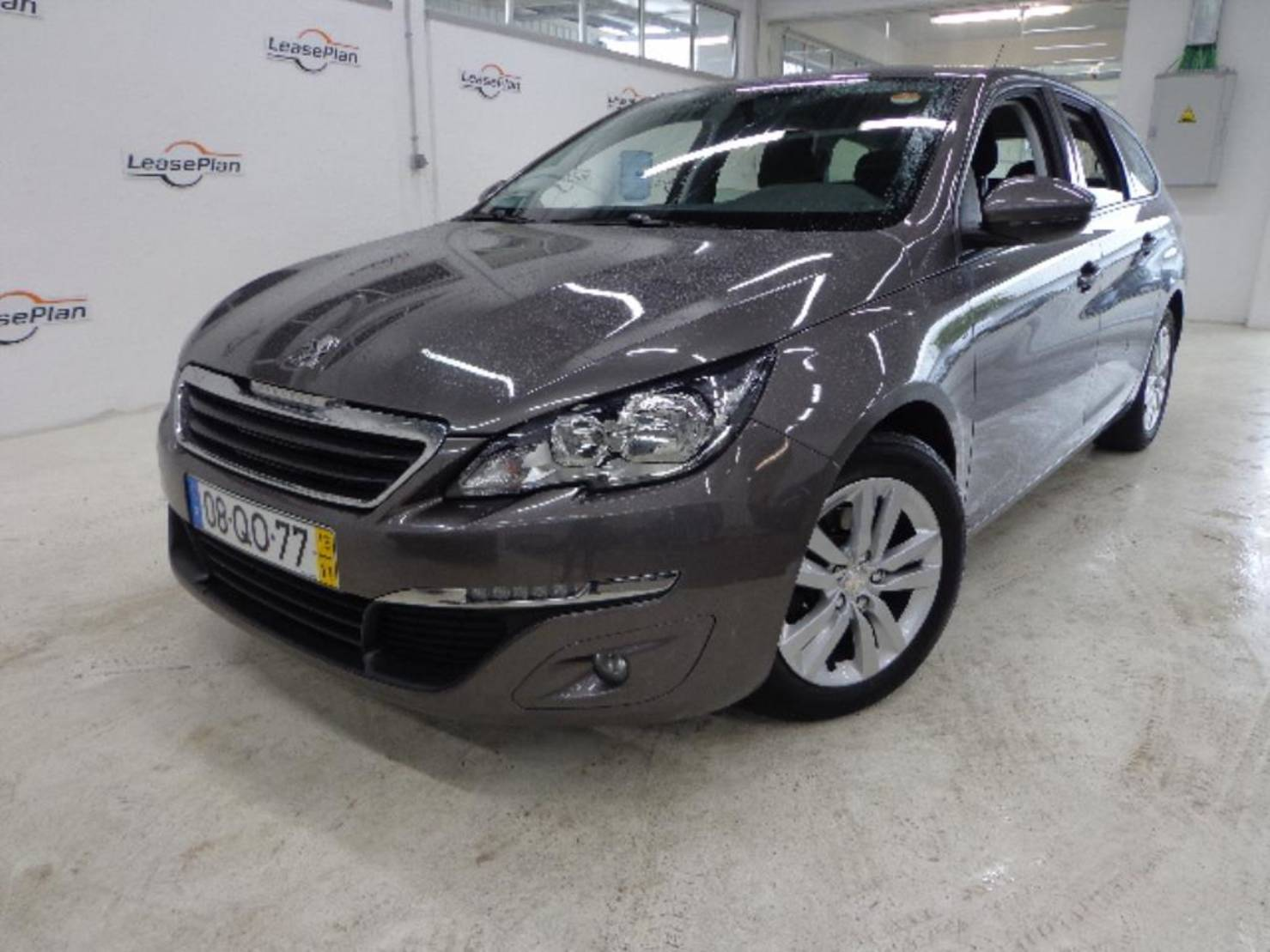 Peugeot 308 SW BlueHDi 100 Stop & Start, Access detail1