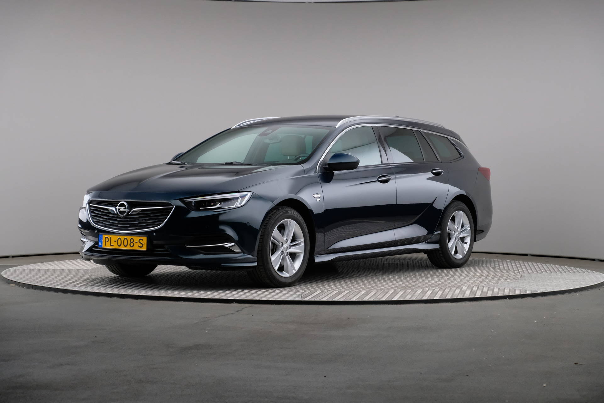 Opel Insignia Sports Tour 2.0 CDTi Business Executive, LED, Leder, Navigatie, 360-image0