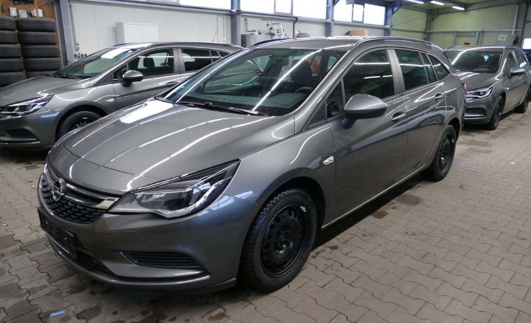 Opel Astra 1.6 D Aut. Sports T. Edition Navi detail1