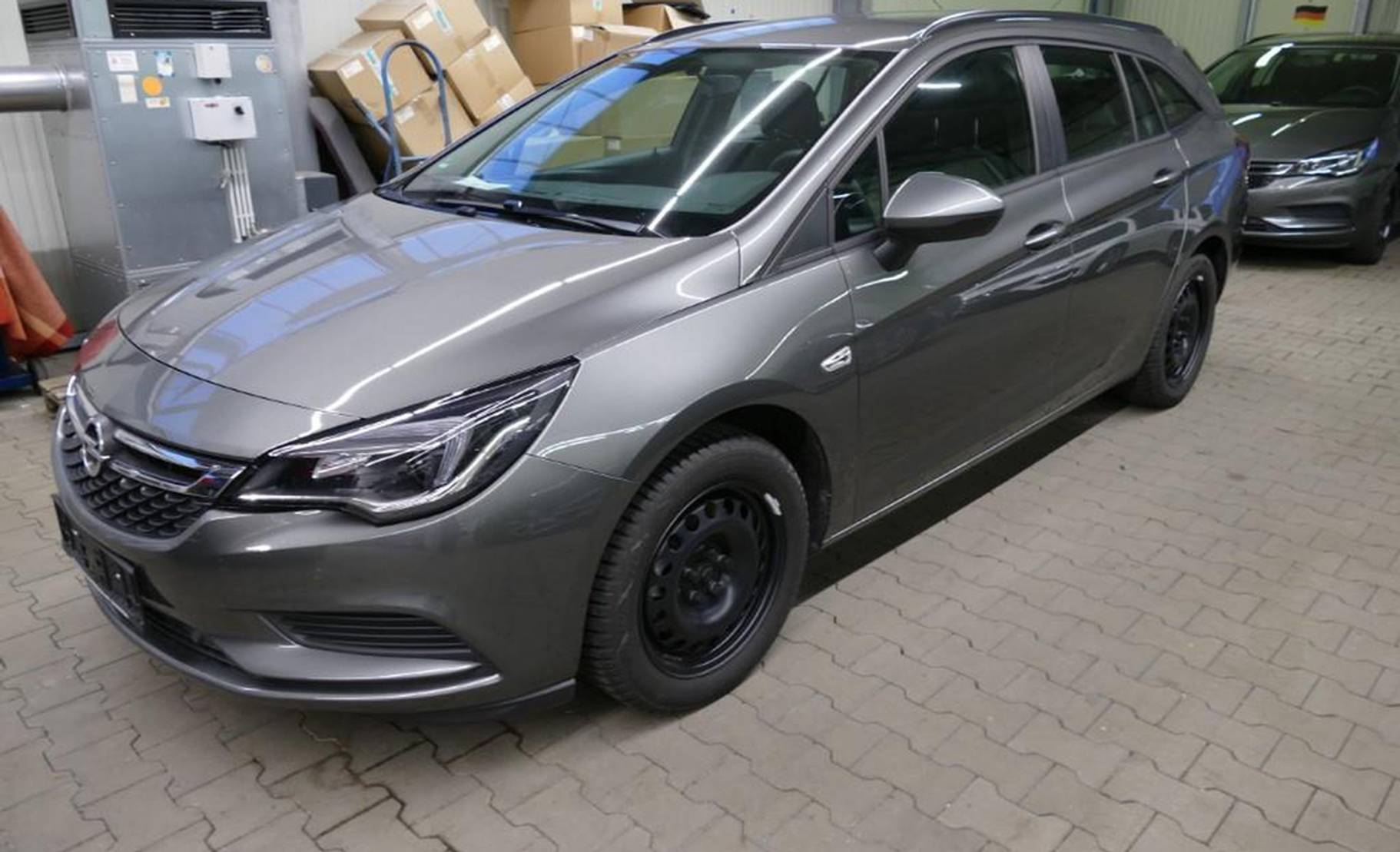 Opel Astra 1.6 D Aut. Sports T. Edition NAVI/AHK/PDC detail1