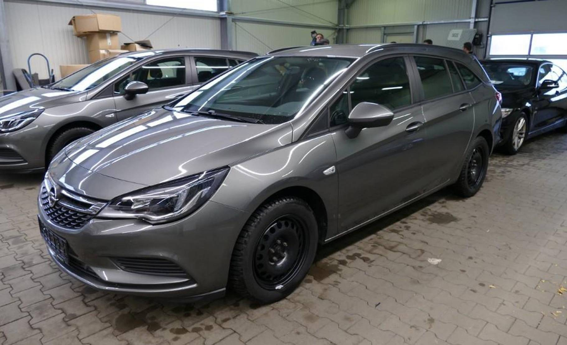 Opel Astra 1.6 D Aut. Sports T. Edition Navi PDC detail1