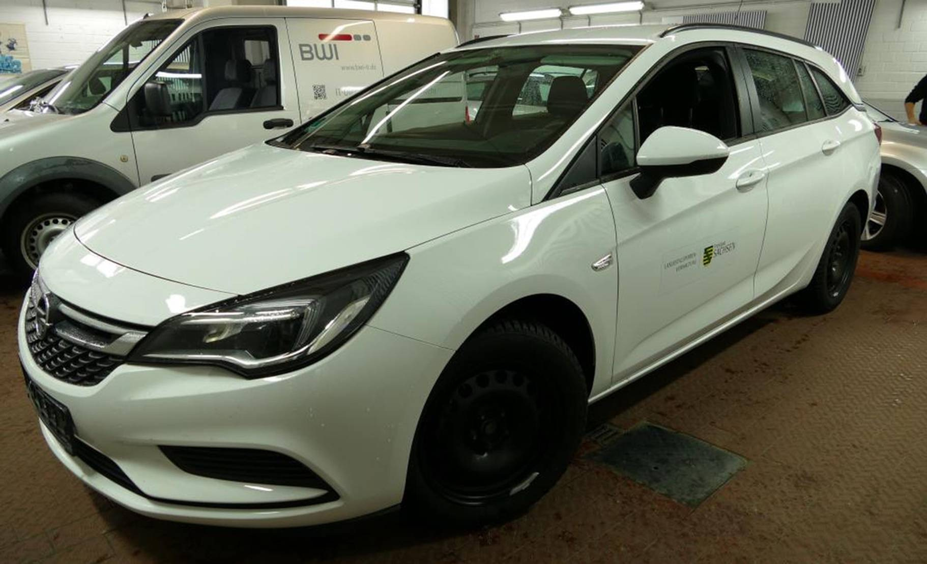 Opel Astra 1.6D Sports Tourer Edition PDC/WINTERPAKET detail1