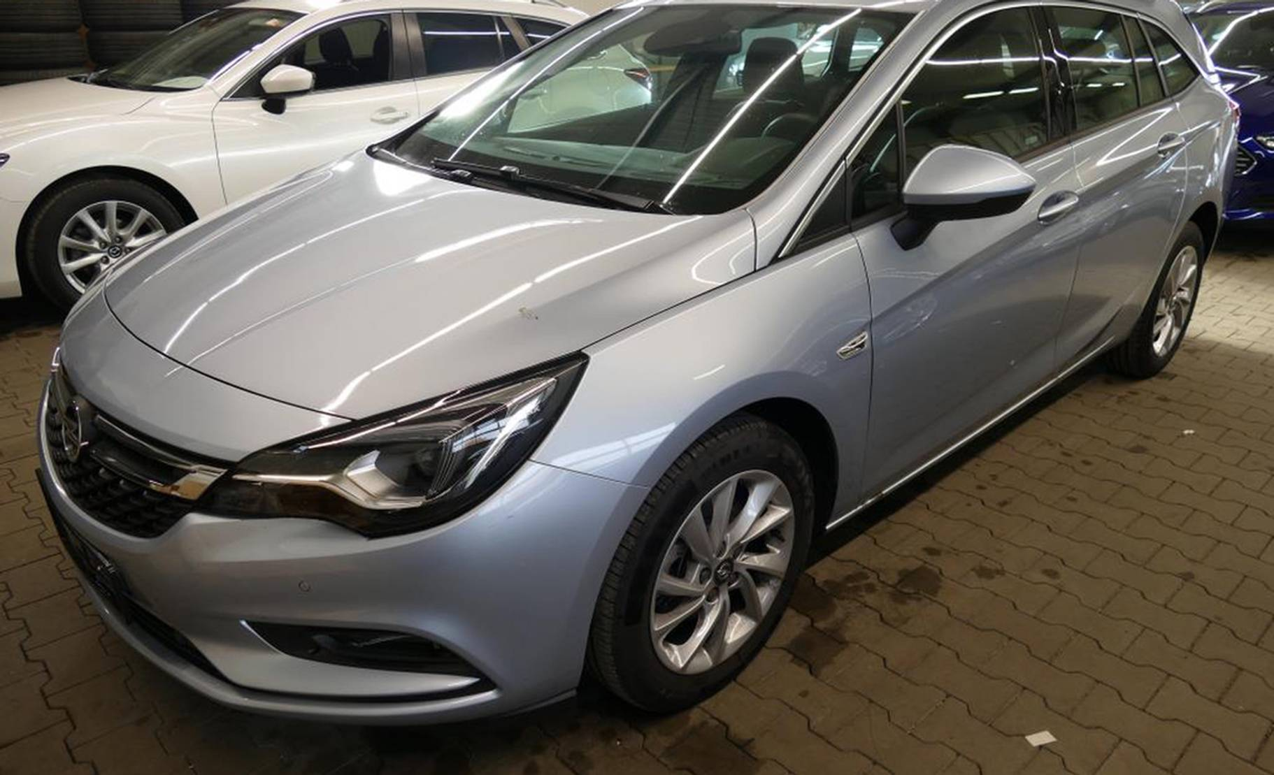 Opel Astra 1.6 D Sports T. Innovation(Matrix-LED) detail1