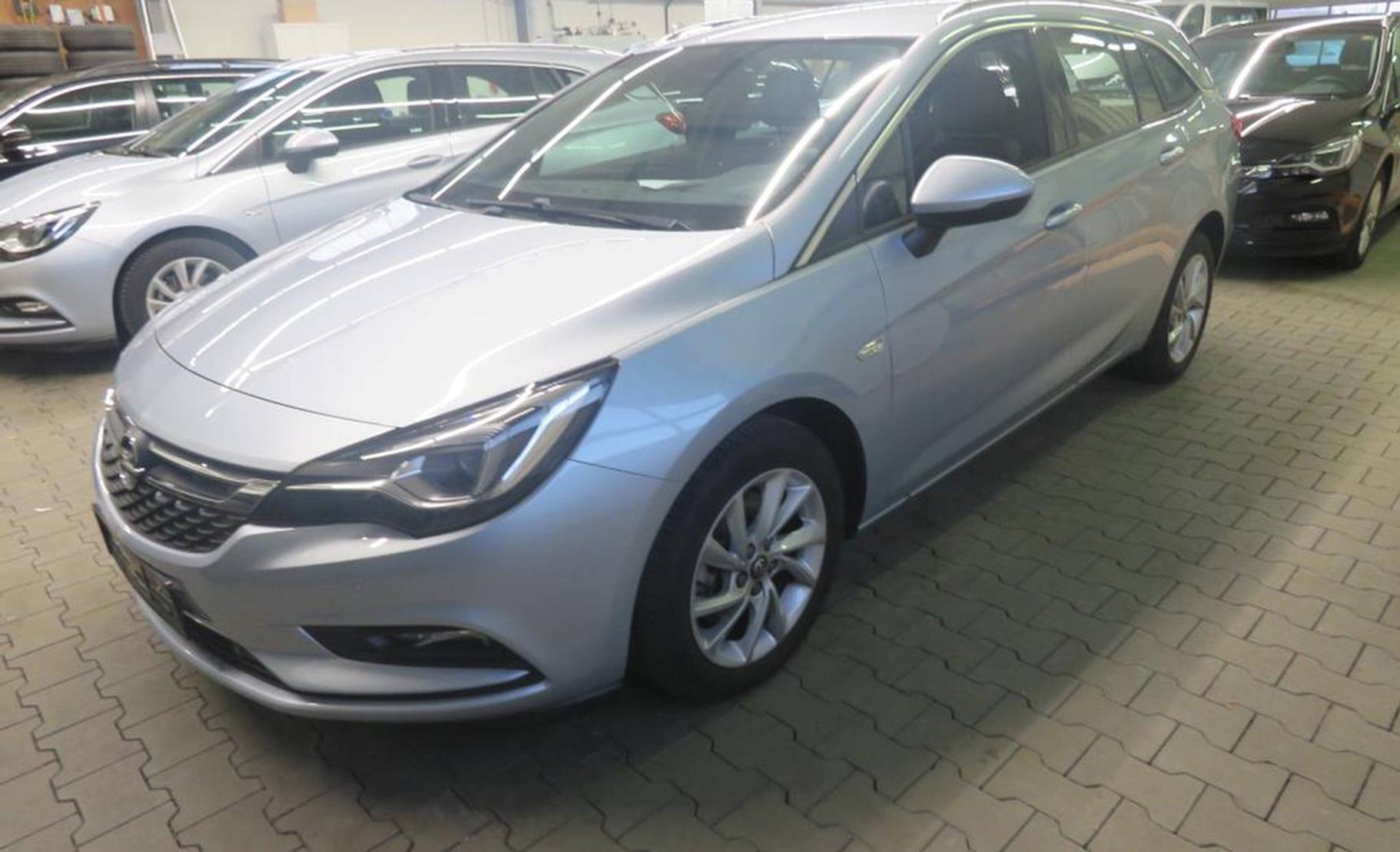 Opel Astra 1.6 D Sports T. Innovation (Matrix-LED) detail1
