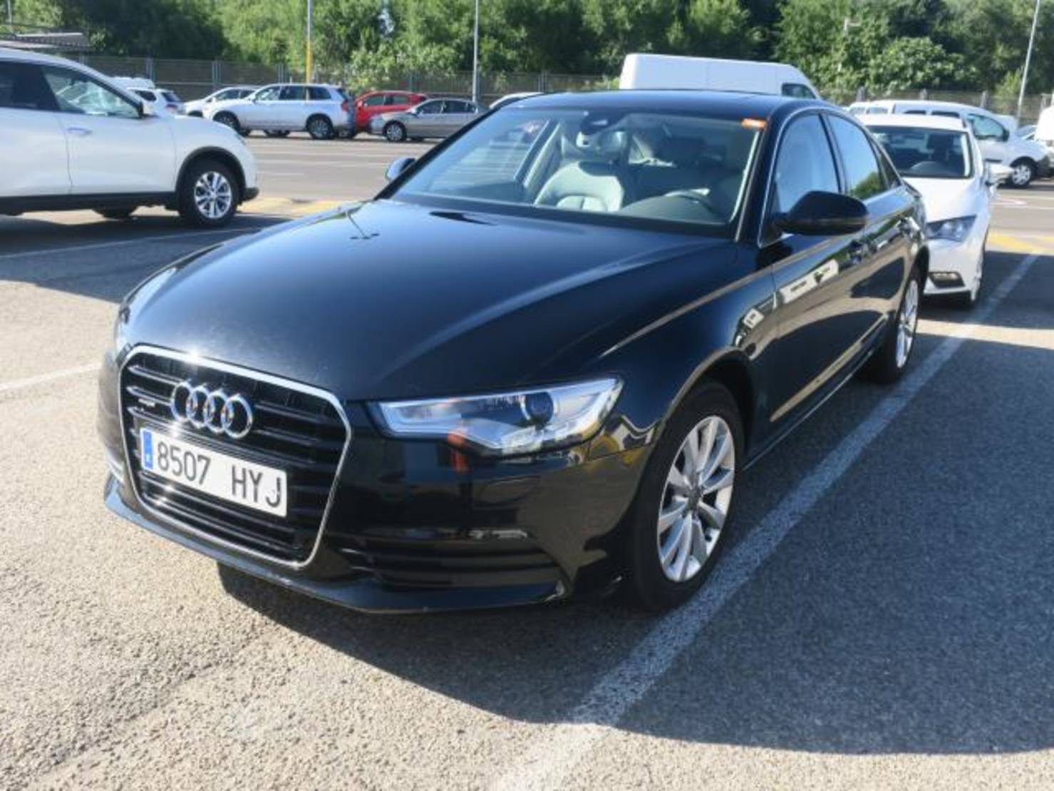 Audi A6 3.0TDI Advanced edition quattro S-T 204 detail1