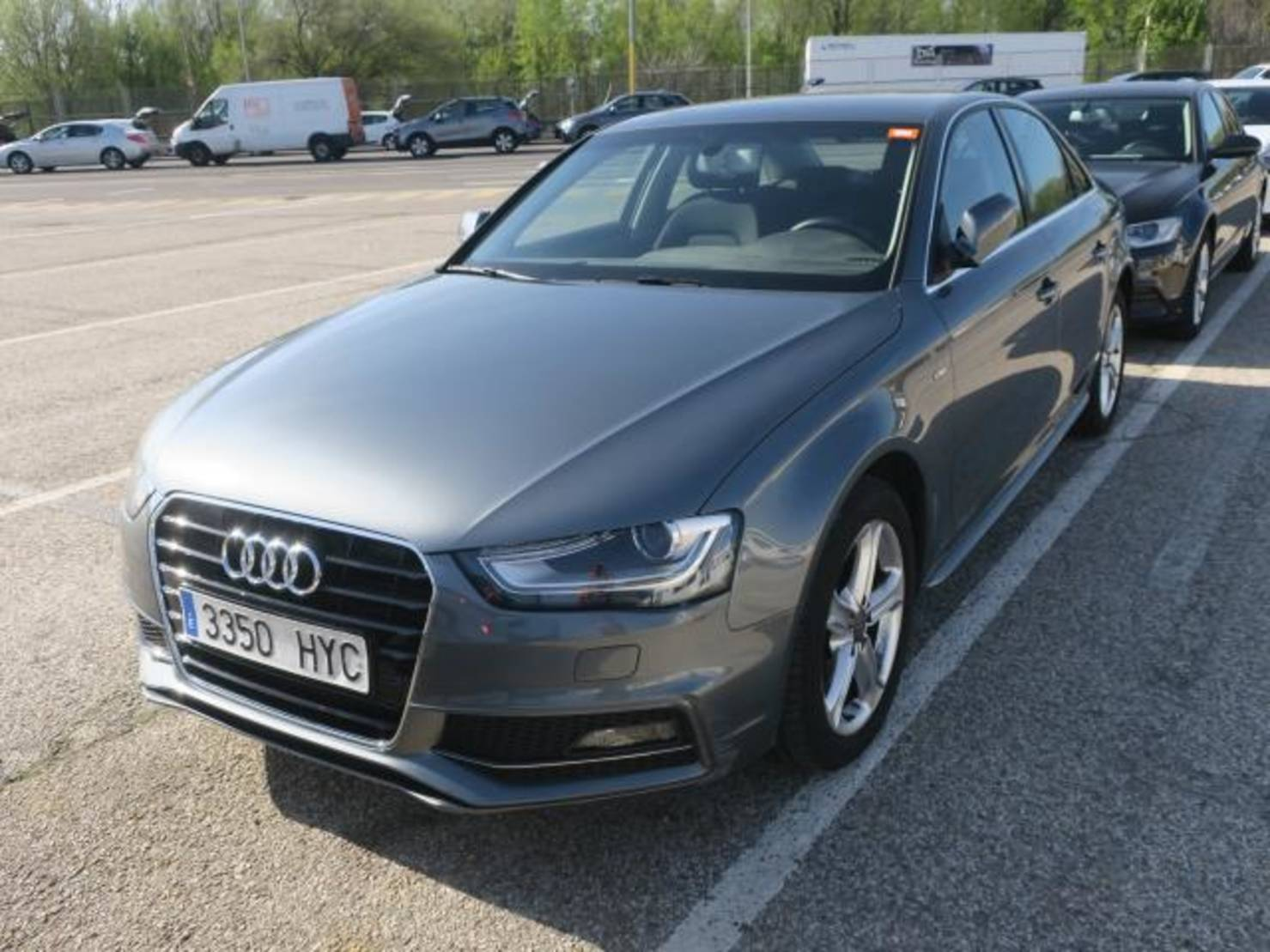 Audi A4 A4 2.0TDI DPF S line edition Mult. 150, S line edition detail1