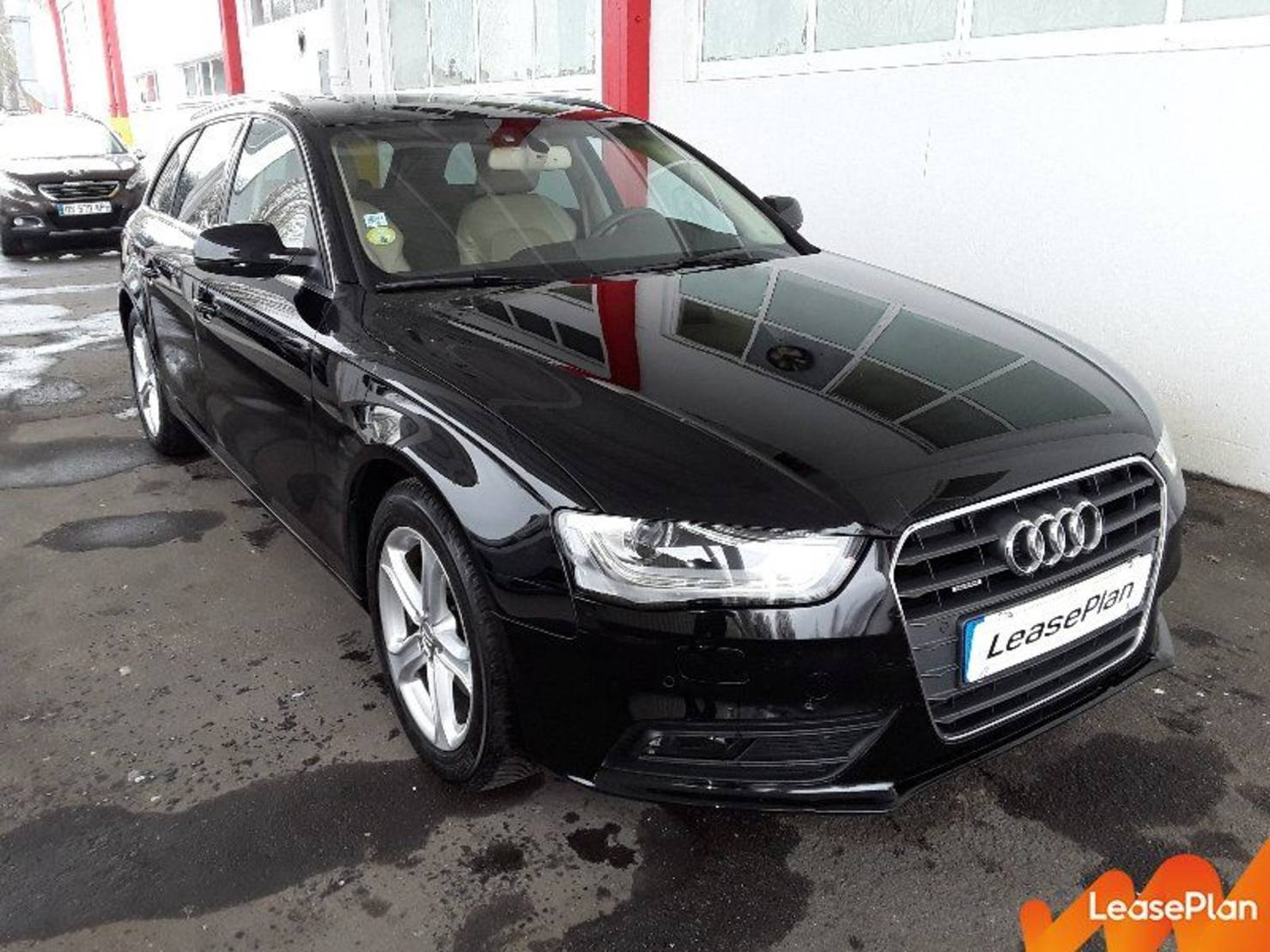 Audi A4 2.0 TDI 177 Quattro, Ambition Luxe S Tronic A detail1