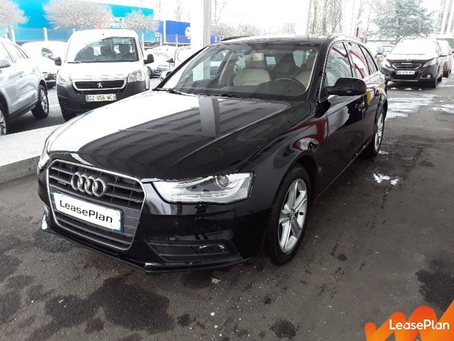 Audi A4 2.0 TDI 177 Quattro, Ambition Luxe S Tronic A detail2