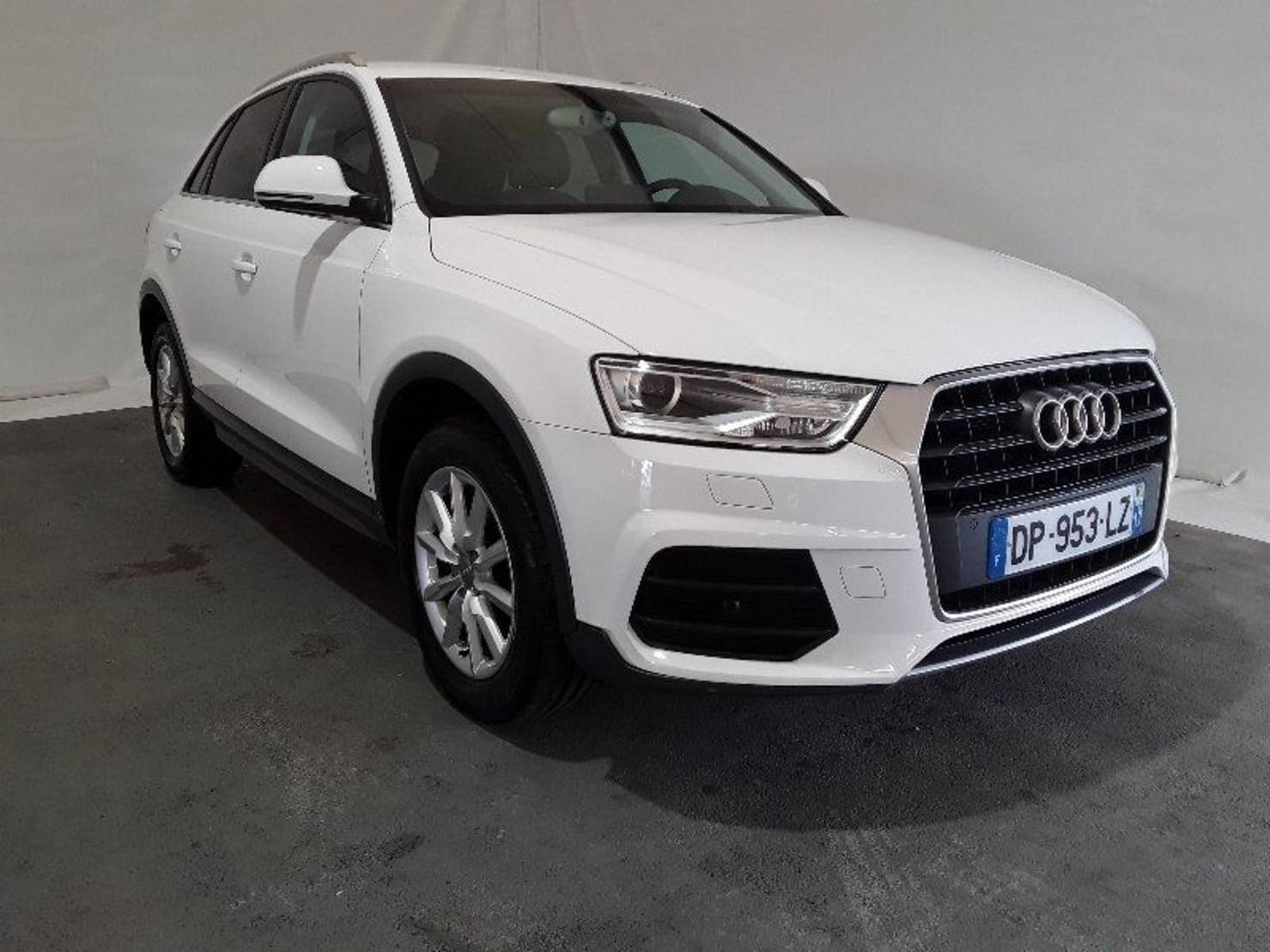 Audi Q3 2.0 TDI Ultra 150 ch, Business Line detail1