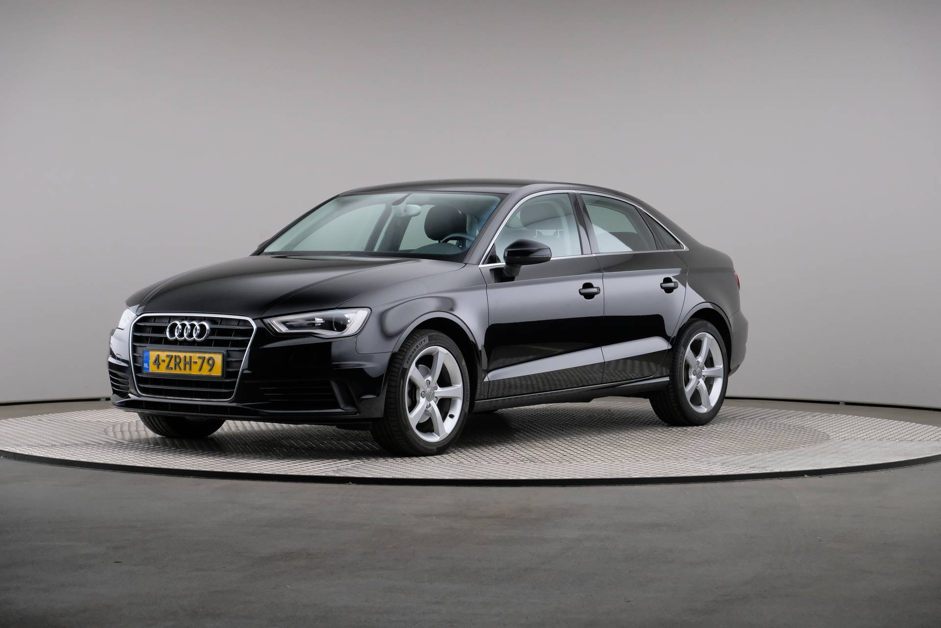 Audi A3 Limousine 1.6 TDI Attraction Pro Line Plus, Navigatie, Xenon, 360-image0