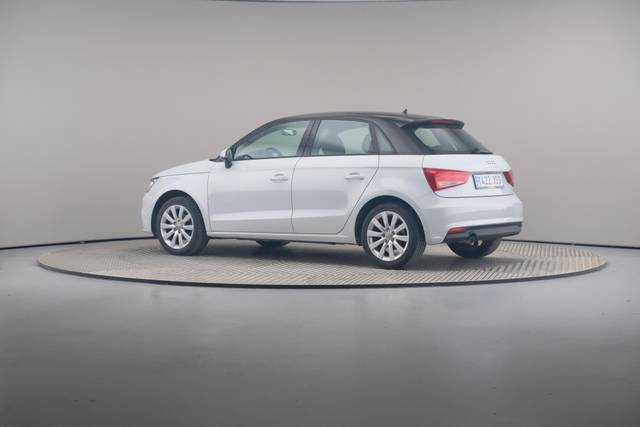 Audi A1 Sportback 1.4TDI Attracted-360 image-8