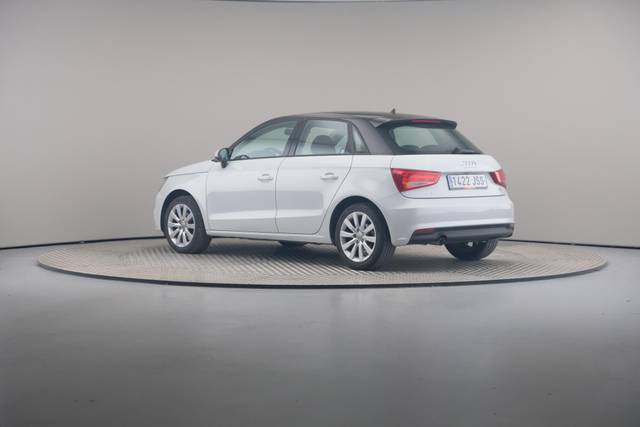 Audi A1 Sportback 1.4TDI Attracted-360 image-9