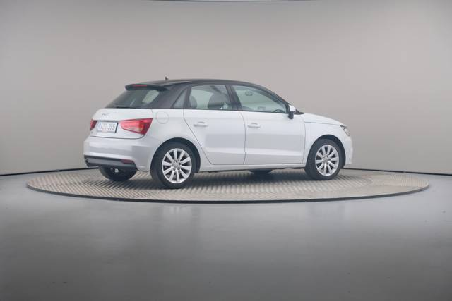 Audi A1 Sportback 1.4TDI Attracted-360 image-19