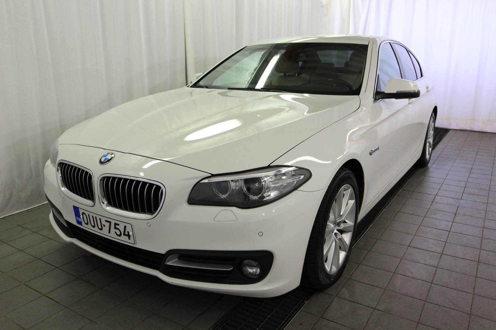 BMW 5 Serie 520d A Business Exclusive Edition detail1