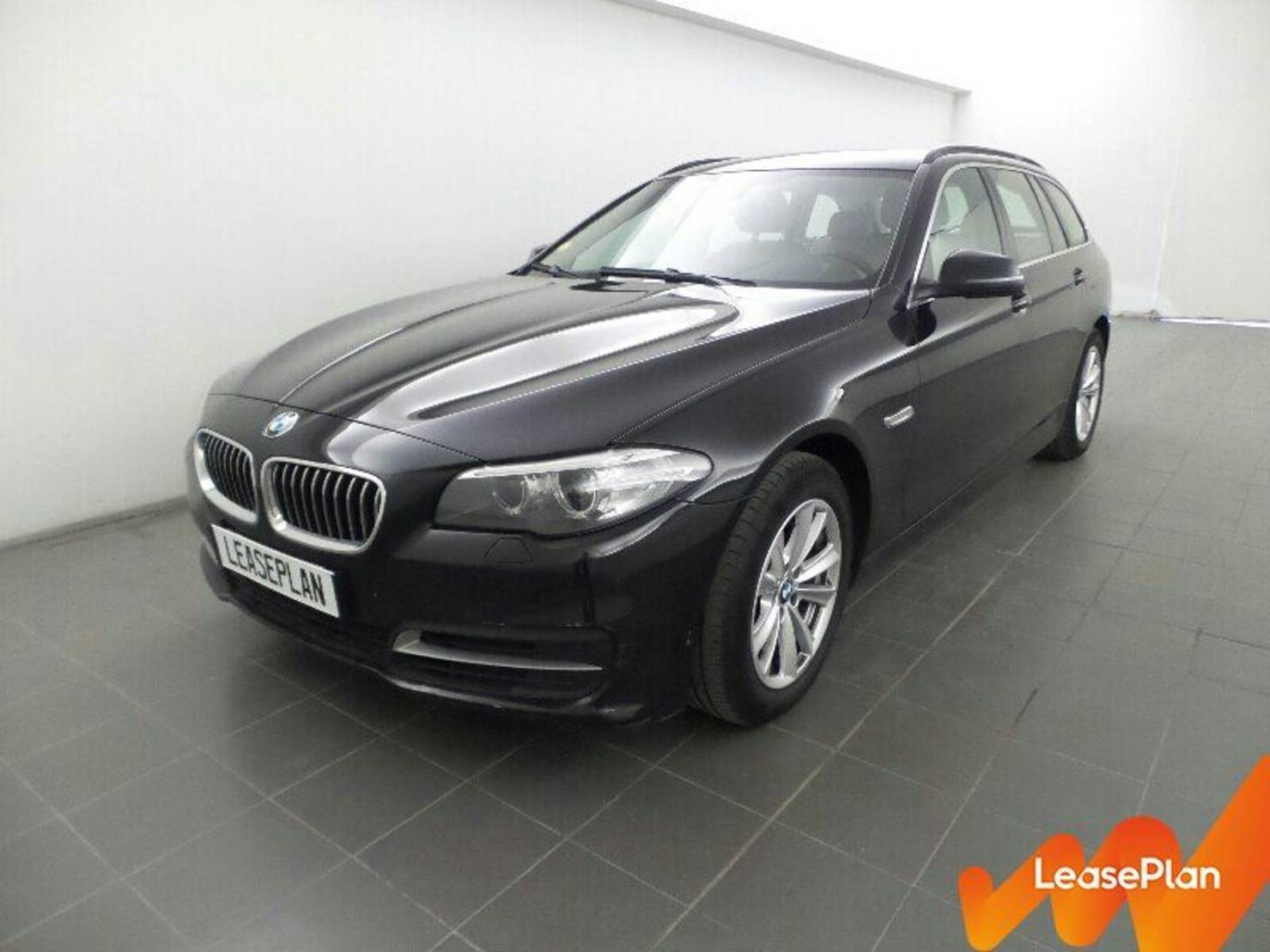 BMW 5 Serie Touring 518d 143 ch, Lounge Plus detail1