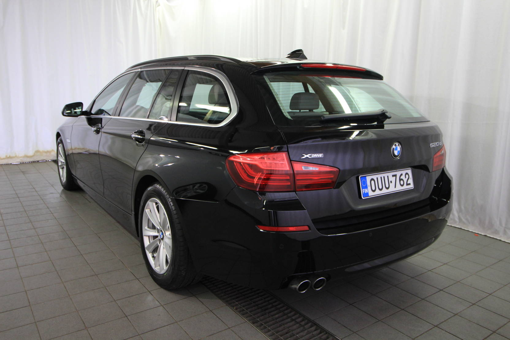 BMW 5 Serie Touring 520d A Xdrive Bus Exclusive Edition detail2