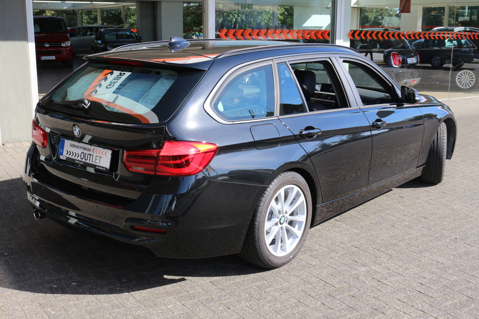 BMW 3 Serie 318d Touring Aut. Advantage (636508) detail2
