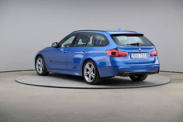 BMW 3 Serie 320d M-Sport Touring-360 image-10