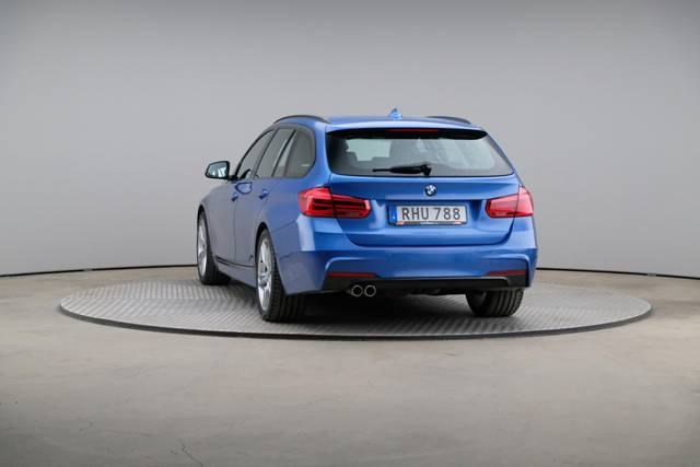 BMW 3 Serie 320d M-Sport Touring-360 image-12