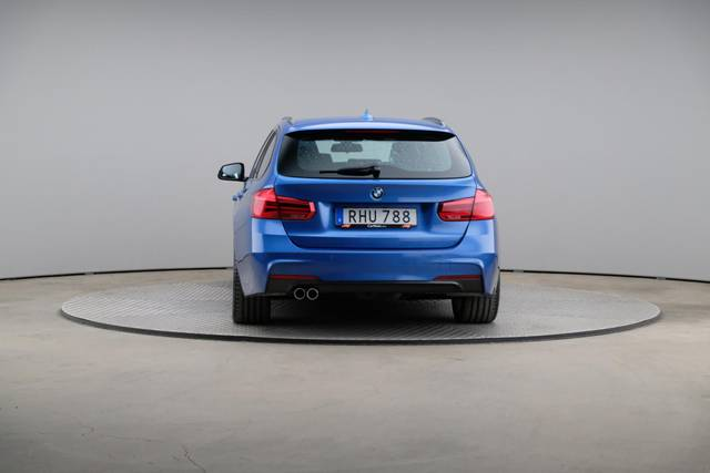 BMW 3 Serie 320d M-Sport Touring-360 image-13