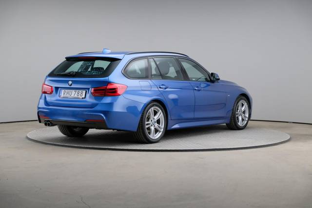 BMW 3 Serie 320d M-Sport Touring-360 image-17