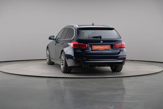 BMW 3 Serie -330d Touring xDrive /Luxury Line/ACC-360 image-12