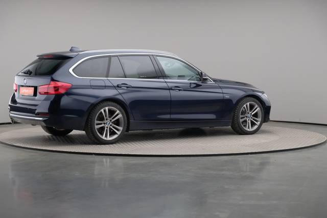 BMW 3 Serie -330d Touring xDrive /Luxury Line/ACC-360 image-19