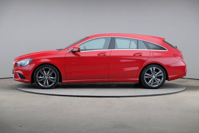 Mercedes-Benz CLA-Klasse 200 CDI Shooting Brake-360 image-4