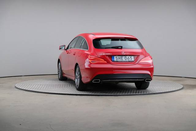 Mercedes-Benz CLA-Klasse 200 CDI Shooting Brake-360 image-12