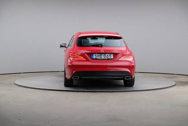 Mercedes-Benz CLA-Klasse 200 CDI Shooting Brake-360 image-13