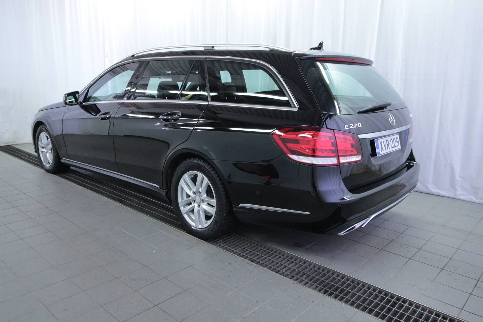 Mercedes-Benz E-Klasse 220 cdi Be T A Premium Business detail2