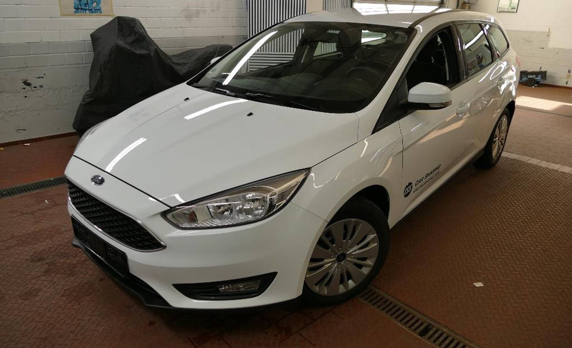 Ford Focus Turnier 1.5 TDCi Business NAVI/TEMP/PDC detail1